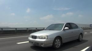 這部花了五年車貸,才買下的現代1.8銀色車,到今年三月,整整共同生活了11年時間,近50萬的公里數